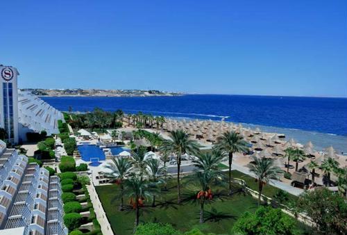 hotel blisko malowniczej rafy niedaleko od lotniska w Sharm el Szejk