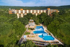 hotel Sunrise w Złotych Piaskach na udane wczasy autokarowe z wyjazdami z Poznania, Krakowa