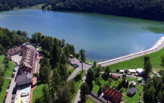 fajny hotel nad Soliną w Bieszczadach z sauną realizujący bony turystyczne na dzieci