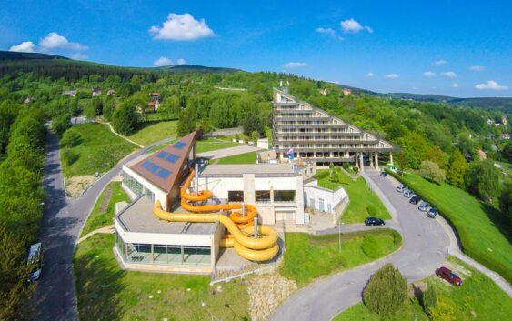 idealny hotel w Sudetach dla rodzin z dziećmi z aquaparkiem realizujący bon turystyczny