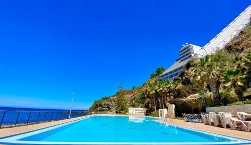 wysoko oceniany hotel na udane wczasy na Maderze