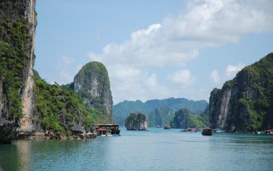 rowerowa wycieczka dla średnio zaawansowanych po Wietnamie ze zwiedzaniem takich miejsc jak Hanoi, Ninh Binh czy Tam Coc